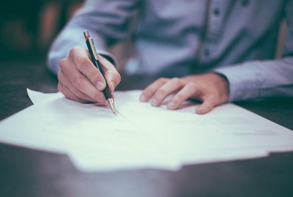 Contrato de alquiler de una vivienda. Dudas más frecuentes a la hora de firmar un contrato de arrendamiento